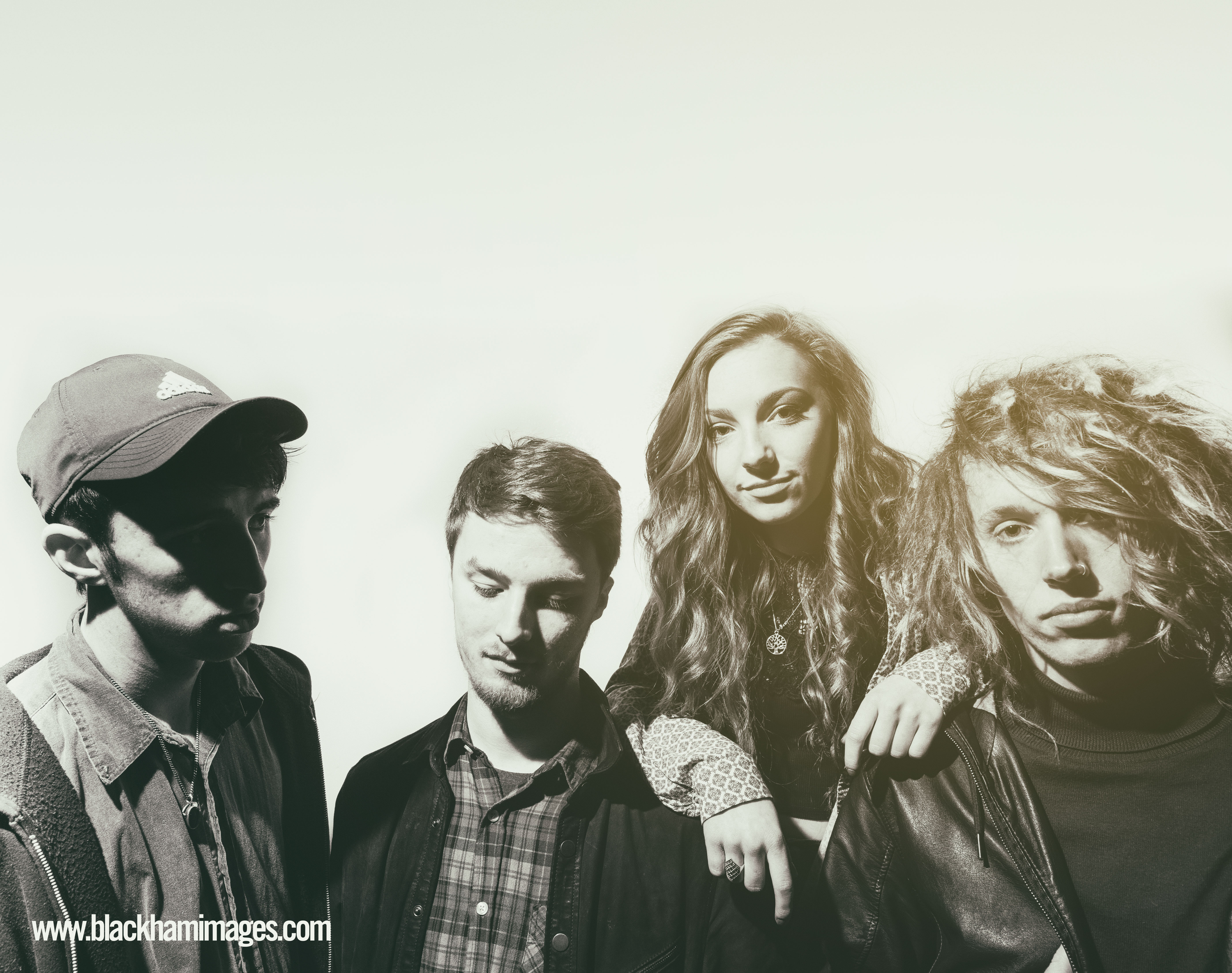 sophie and the giants-wm